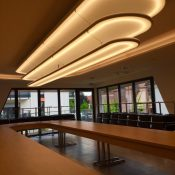 Salle de Conseil Wintzenheim / France / Architecte DI NISI / Suspension LED sur mesure Concept Light